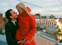Романтические фотоссессии для двоих или бесшабашные для компании друзей на крышах Петербурга со скидкой 60%. Яркие эмоции и потрясающий вид в каждом кадре!