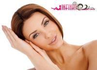 Химический пилинг кожи лица, шеи и зоны декольте на косметике Holly Land в салоне красоты Infinity со скидкой до 77%