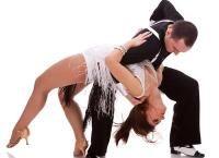 Кубинская страсть в осеннем Петербурге! 8 или 16 занятий латиноамериканскими танцами в школе танцев Salsa Viva со скидкой до 50%!