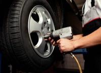 Шиномонтаж и балансировка четырех колес в автосервисе «Питер-Well» со скидкой до 73%