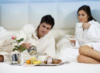 Отдых для двоих в санатории «Родник» в номерах «стандарт», «люкс» или «полулюкс» с питанием, посещением бассейна и сауны! Скидка до 69%