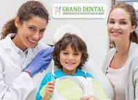 Подарите себе и близким красивую и здоровую улыбку! Ультразвуковая чистка зубов, чистка AirFlow и фторирование в стоматологической клинике «Grand Dental». Скидка до 85%