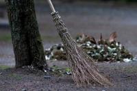 Необходимый инвентарь для уборки улиц для вашей компании